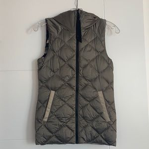 Lululemon size 2 down reversible vest